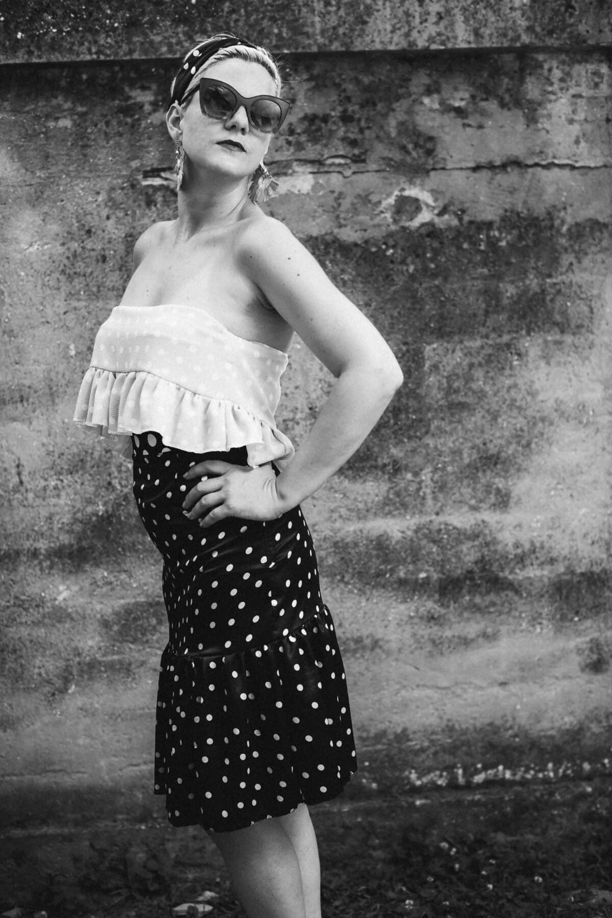 foto modello, bianco e nero, bianco e nero, vintage, fotocopia, piedi, bella ragazza, vestito, gonna, capelli biondi