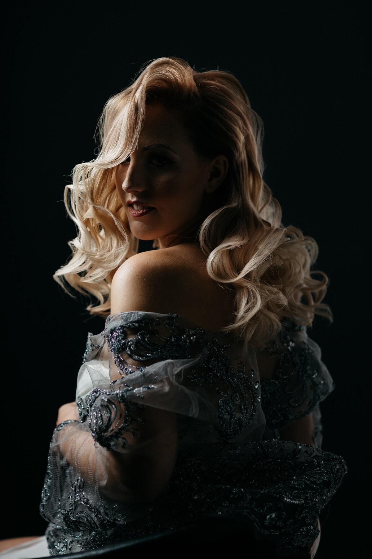 maravilloso, rubia, posando, oscuridad, modelo de fotografia, sombra, estudio de la foto, Oscuro, vertical, moda