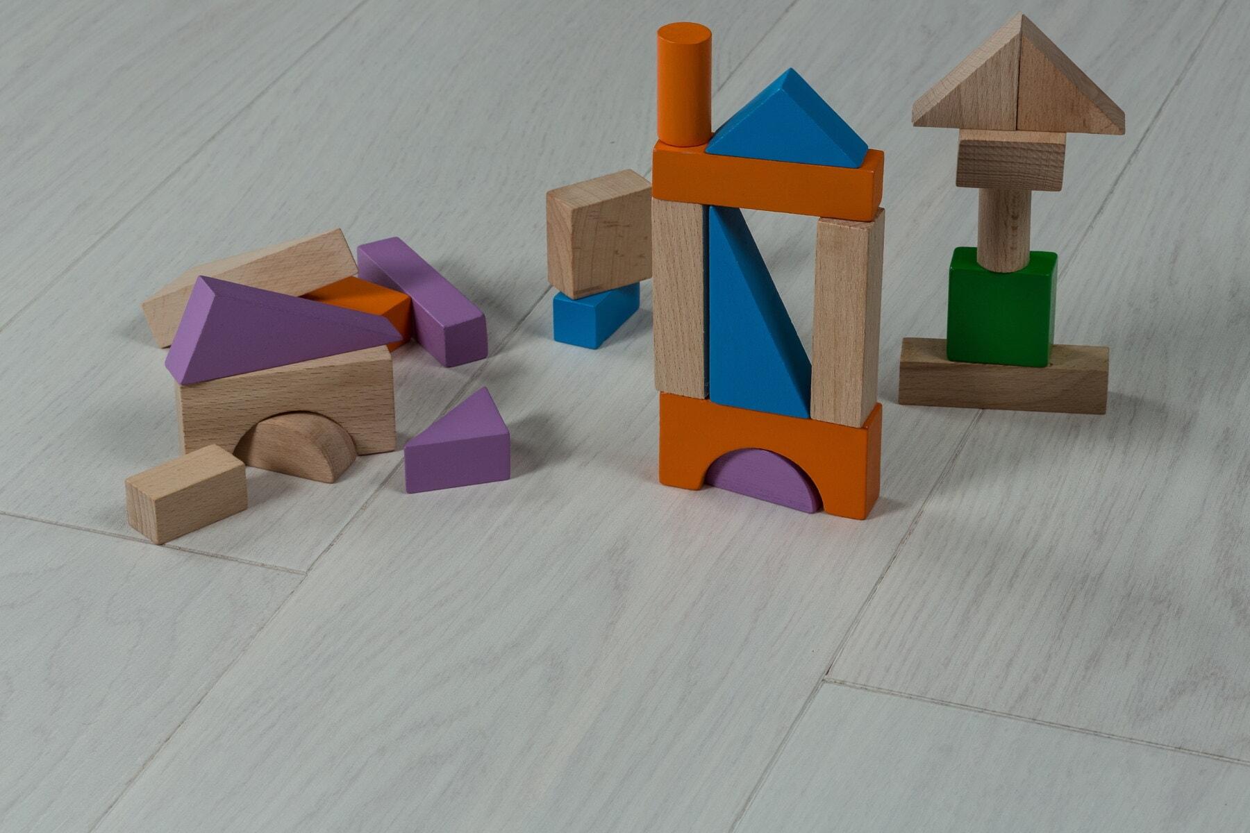 aus Holz, Form, Spielzeug, Würfel, Dreieck, Kindheit, spielen, Bau, Kreativität, im Feld