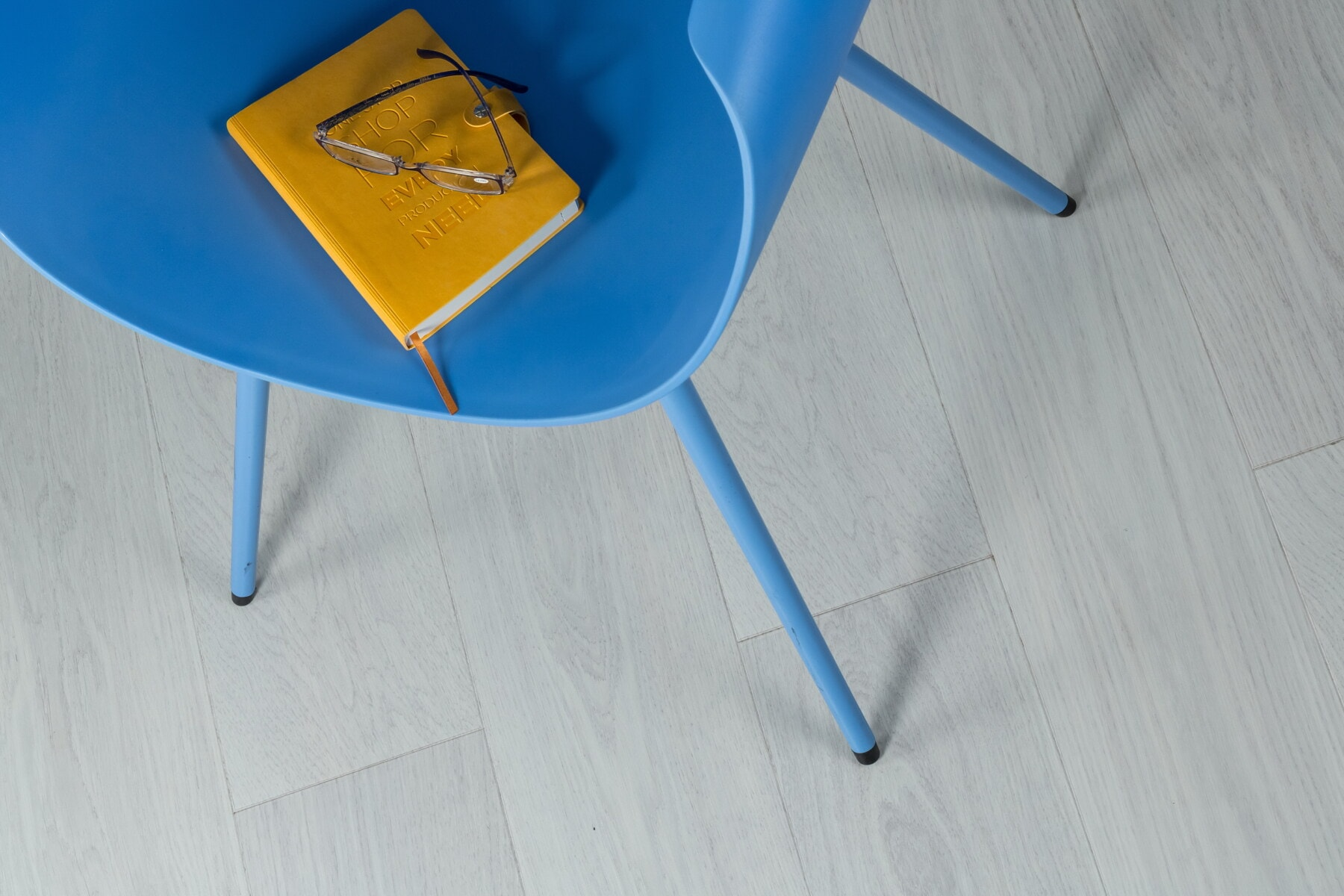 Roman, gul, bok, lesing, briller, stol, blå, tre, møbler, tom
