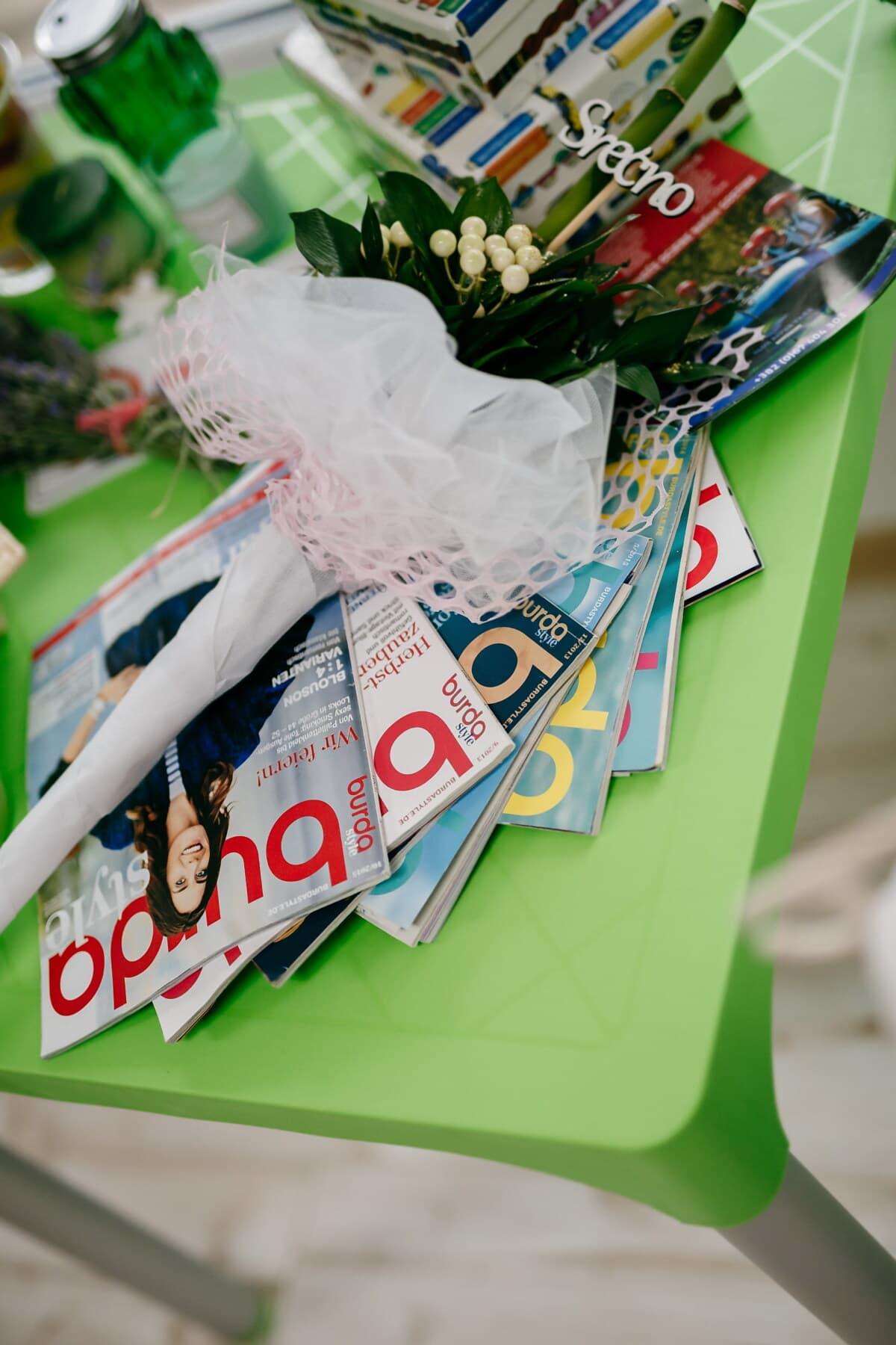 Magazin, News, Zeitung, Blumenstrauß, Zimmer, Schreibtisch, Dekoration, Papier, Farbe, Ecke