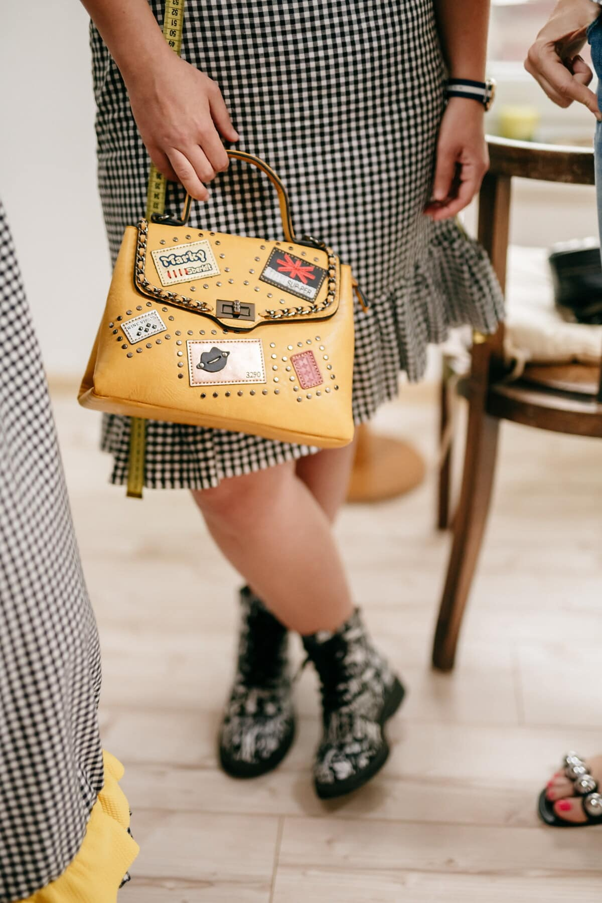 时尚, 看中, 手提包, 年份, 裙子, 年轻女子, 设计器, 黄棕色, 设计, 时尚
