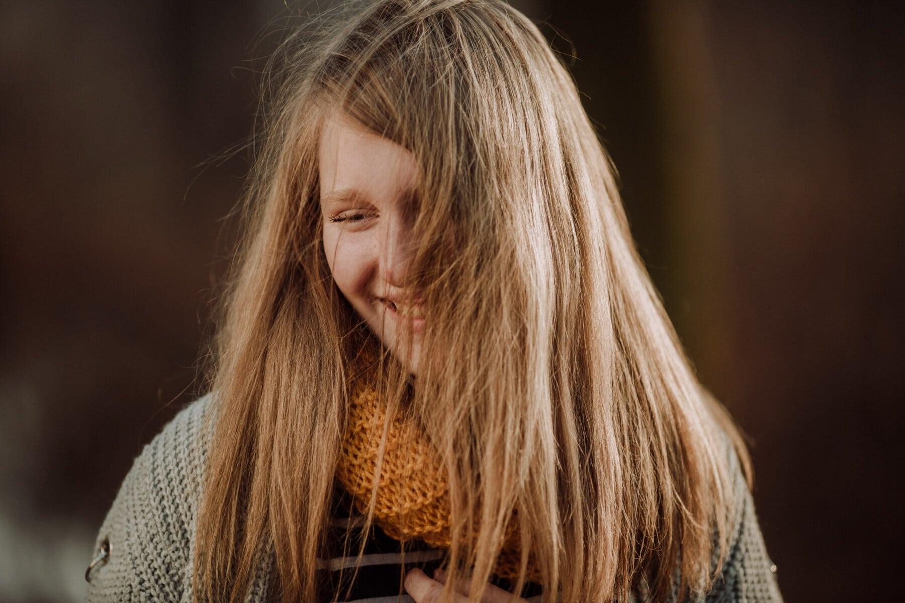 blond włosy, nastolatek, portret, przyjemność, szczęście, zbliżenie, uśmiechający się, twarz, kobieta, mody