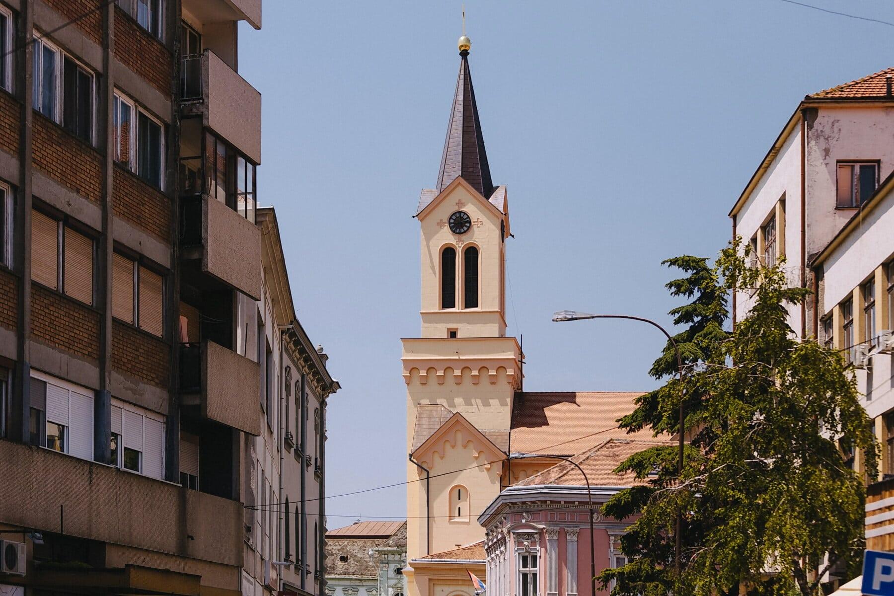 crkveni toranj, ulica, centar grada, arhitektonski stil, Europski, Evropa, arhitektura, socijalizam, religija, pokrivanje