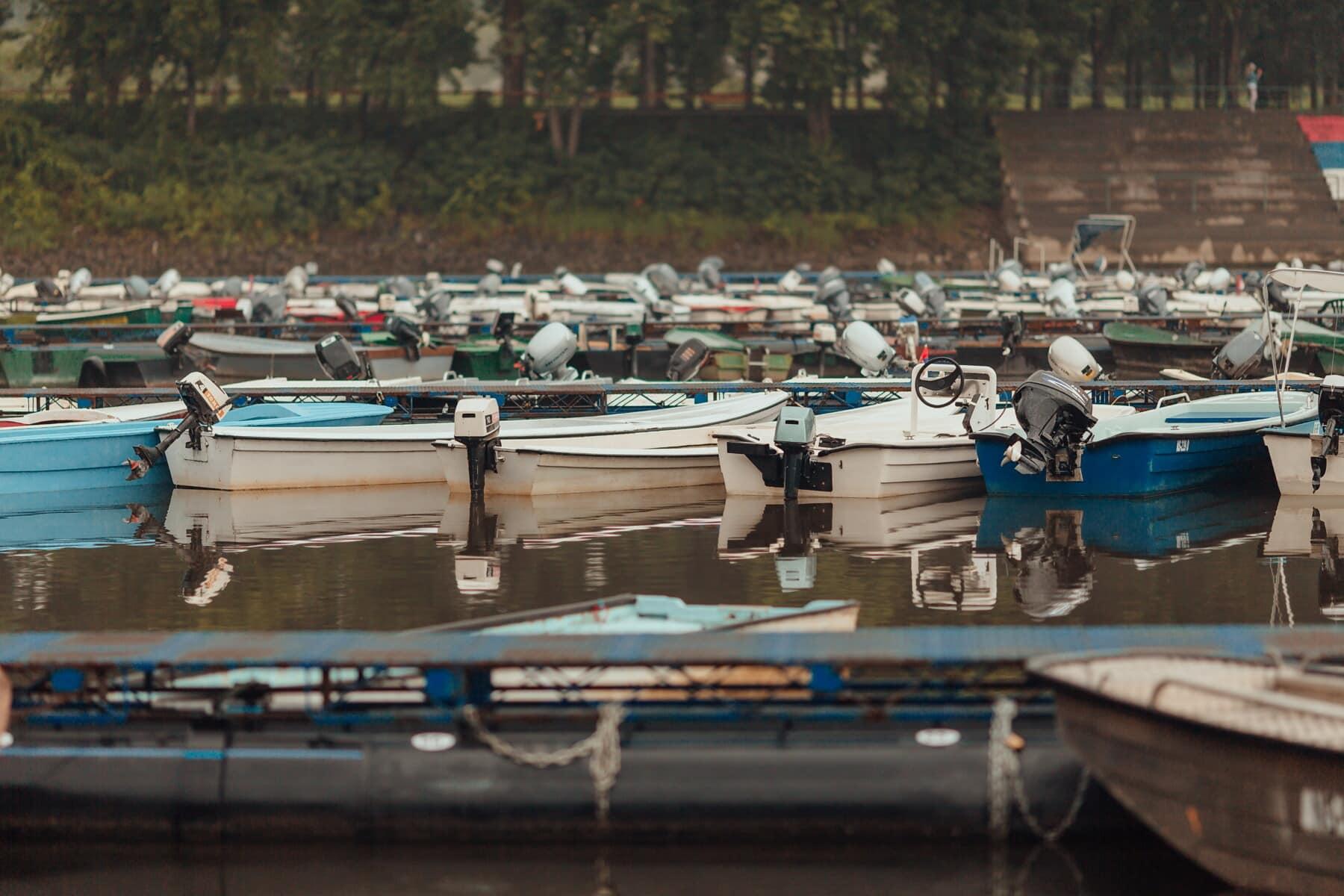Flussufer, Fluss, Hafen, Boote, Angelboot/Fischerboot, Wasser, Boot, Marina, Wasserfahrzeuge, Fahrzeug