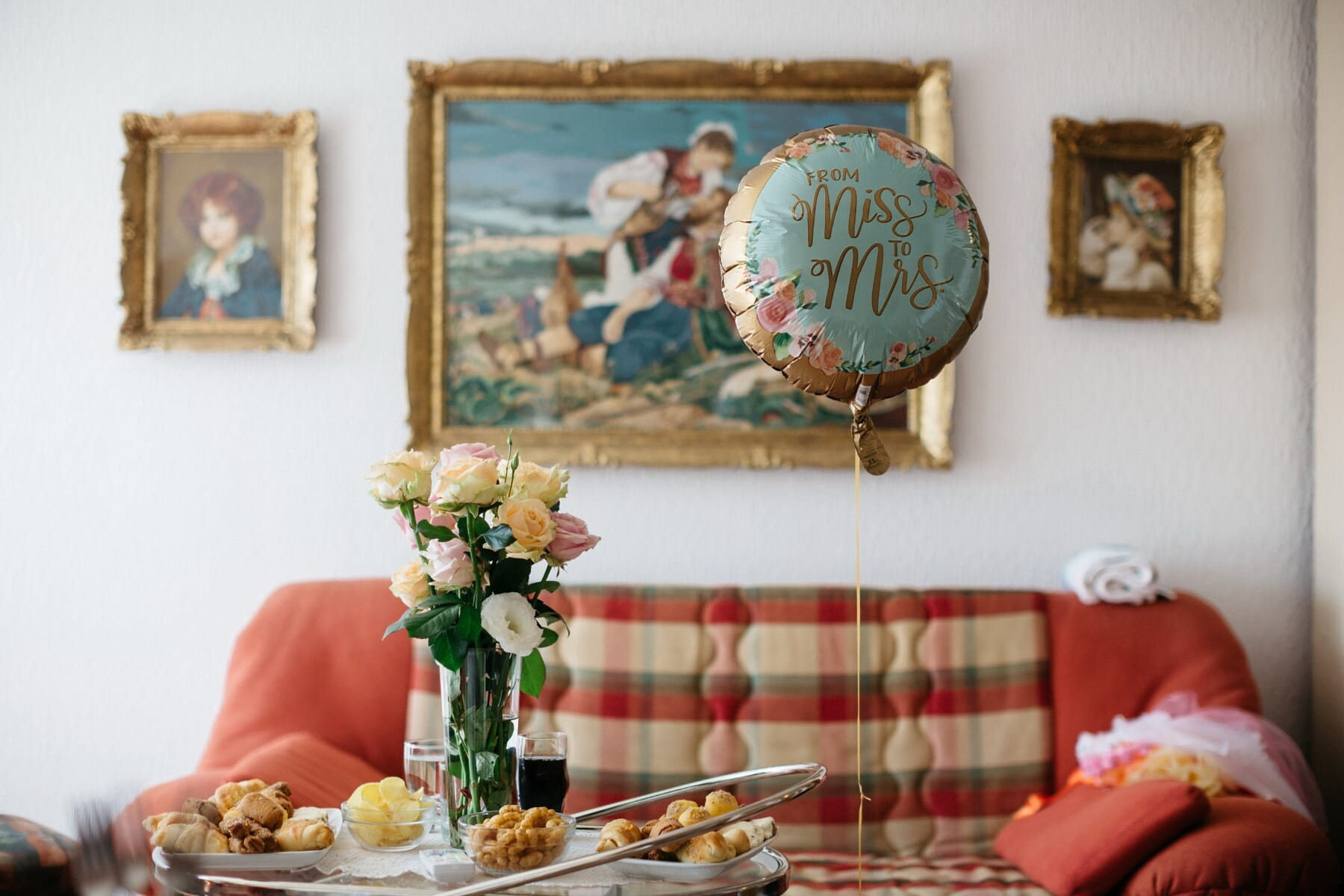 sofa, living room, decoration, interior design, traditional, Serbia, balloon, structure, altar, furniture