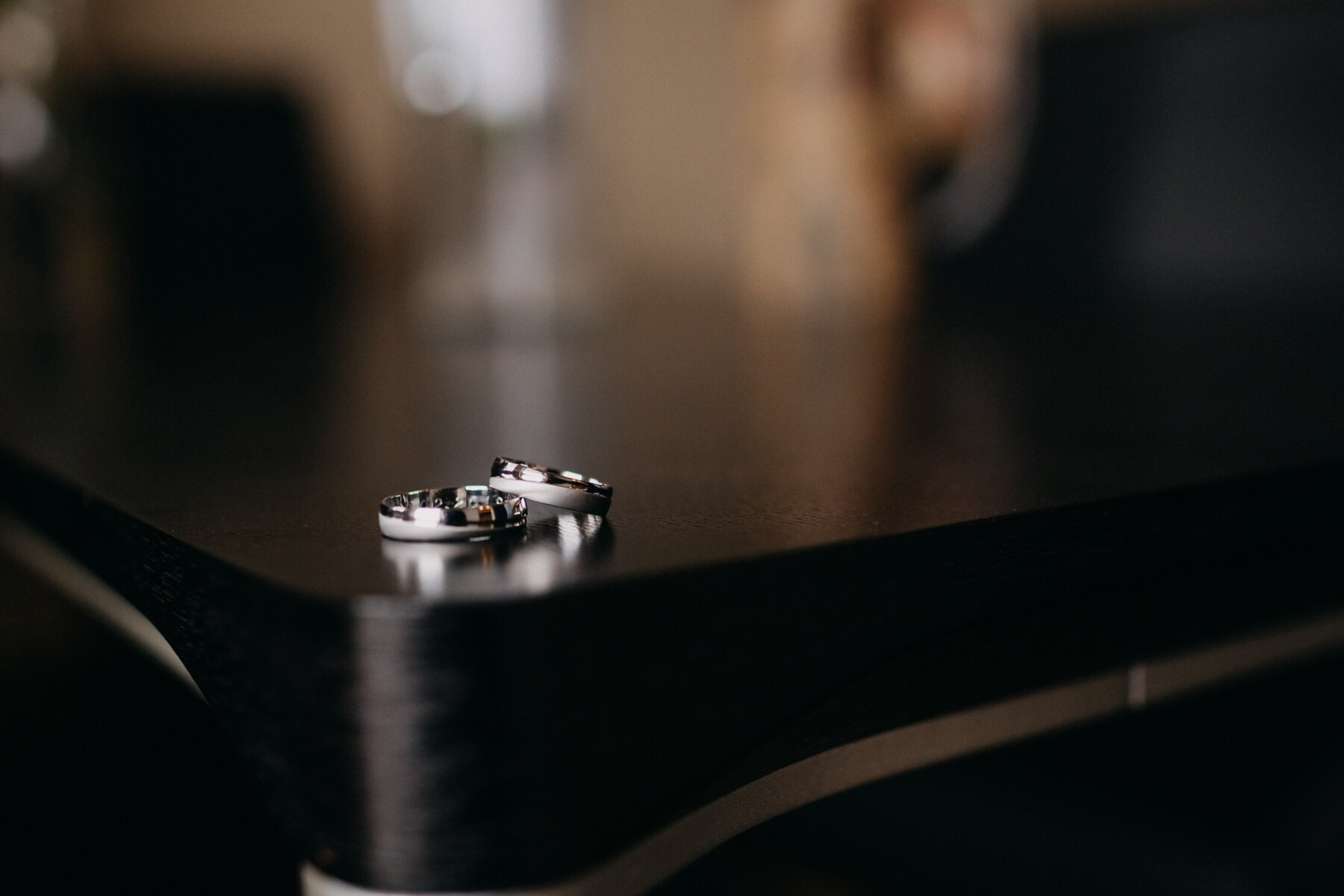 wedding ring, pair, close-up, reflection, shadow, blur, still life, studio, indoors, room