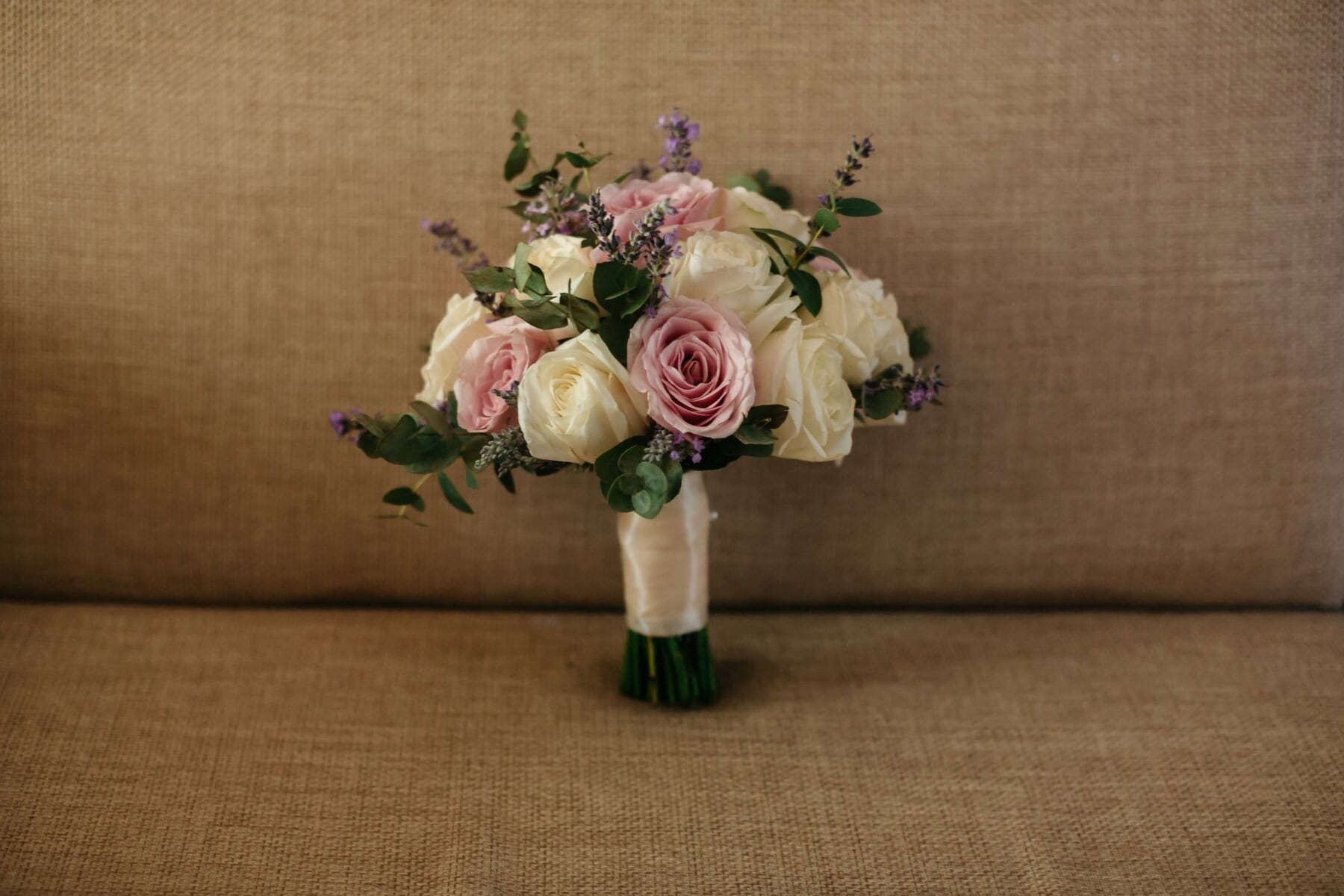 bouquet, love, rose, decoration, arrangement, flower, romance, still life, gift, leaf