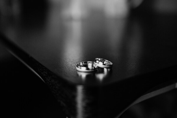 wedding ring, jewelry, platinum, rings, black and white, monochrome, reflection, dinky, shadow, still life