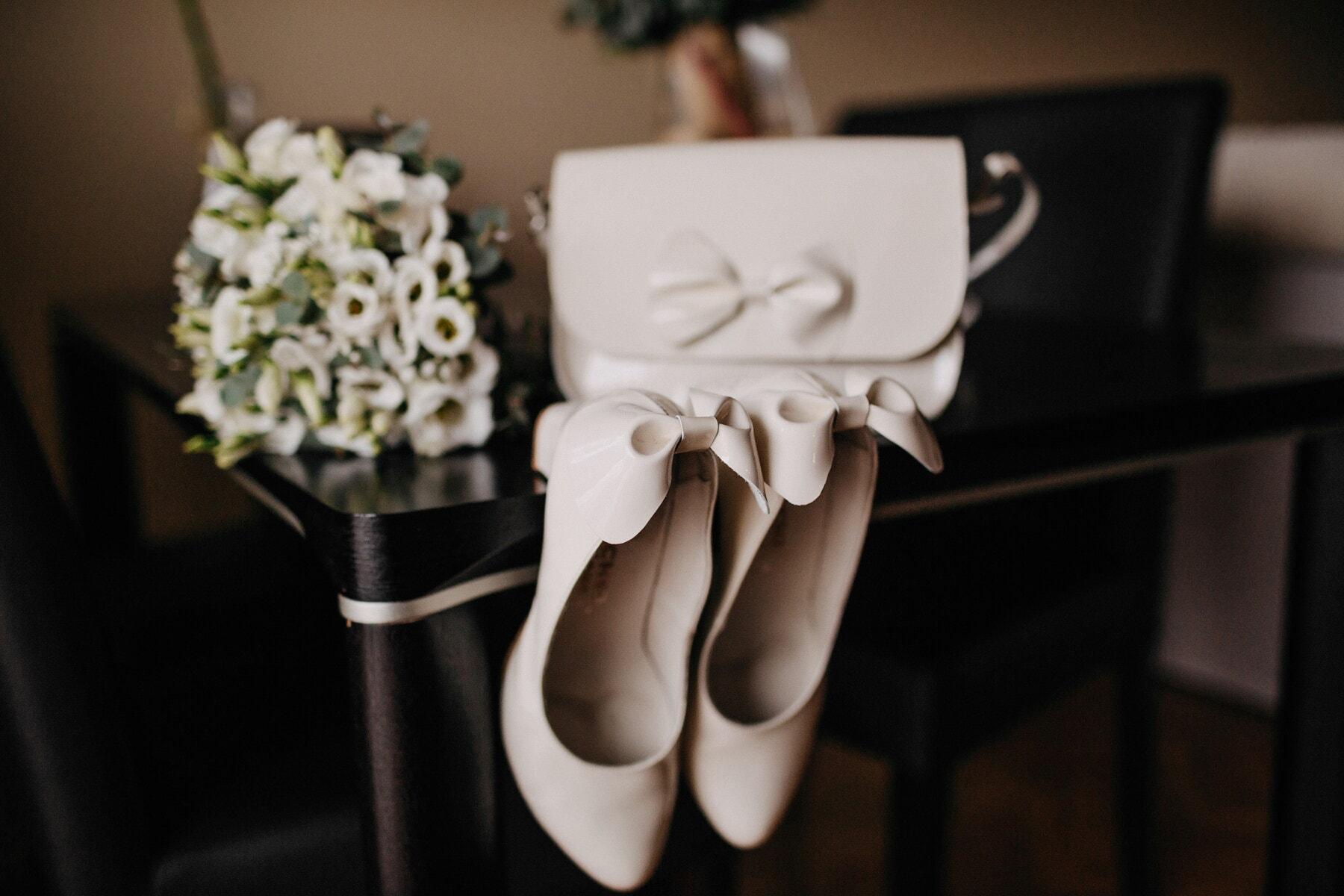 white, shoes, glossy, sandal, elegant, table, bouquet, handbag, flower, still life