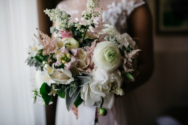 wedding bouquet, bride, elegant, spectacular, bouquet, majestic, wedding, romance, flower, arrangement