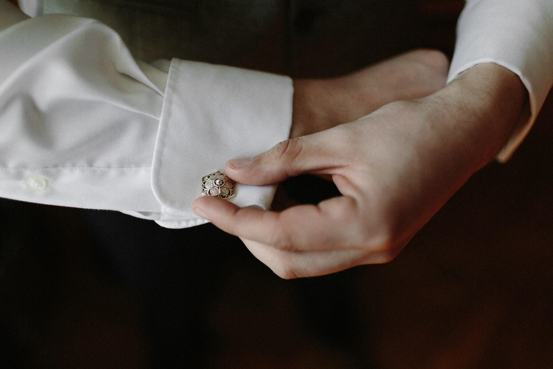 manchette, manche, chemise blanche, bouton, luxe, bijoux, mode, mains, homme, main