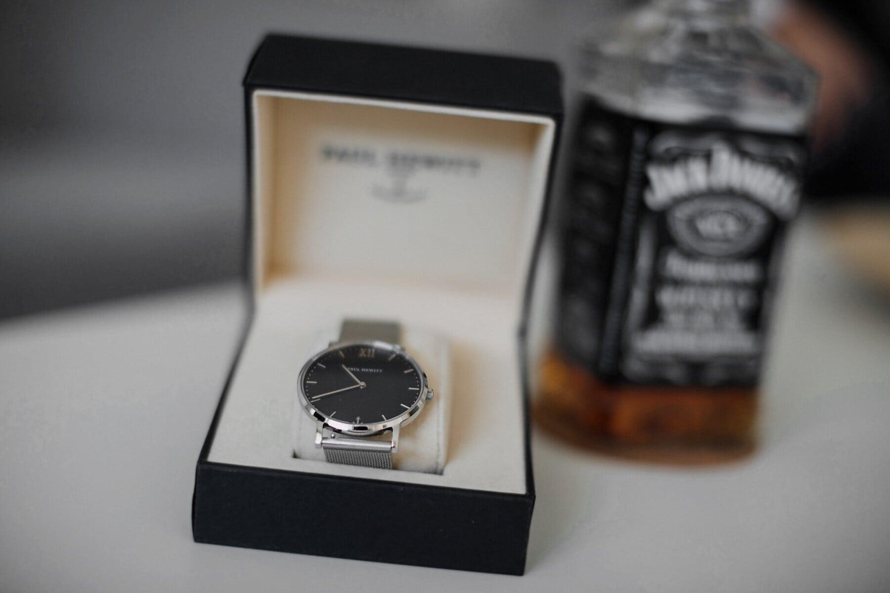 analog clock, gift, expensive, wristwatch, box, platinum, close-up, silver, indoors, precision