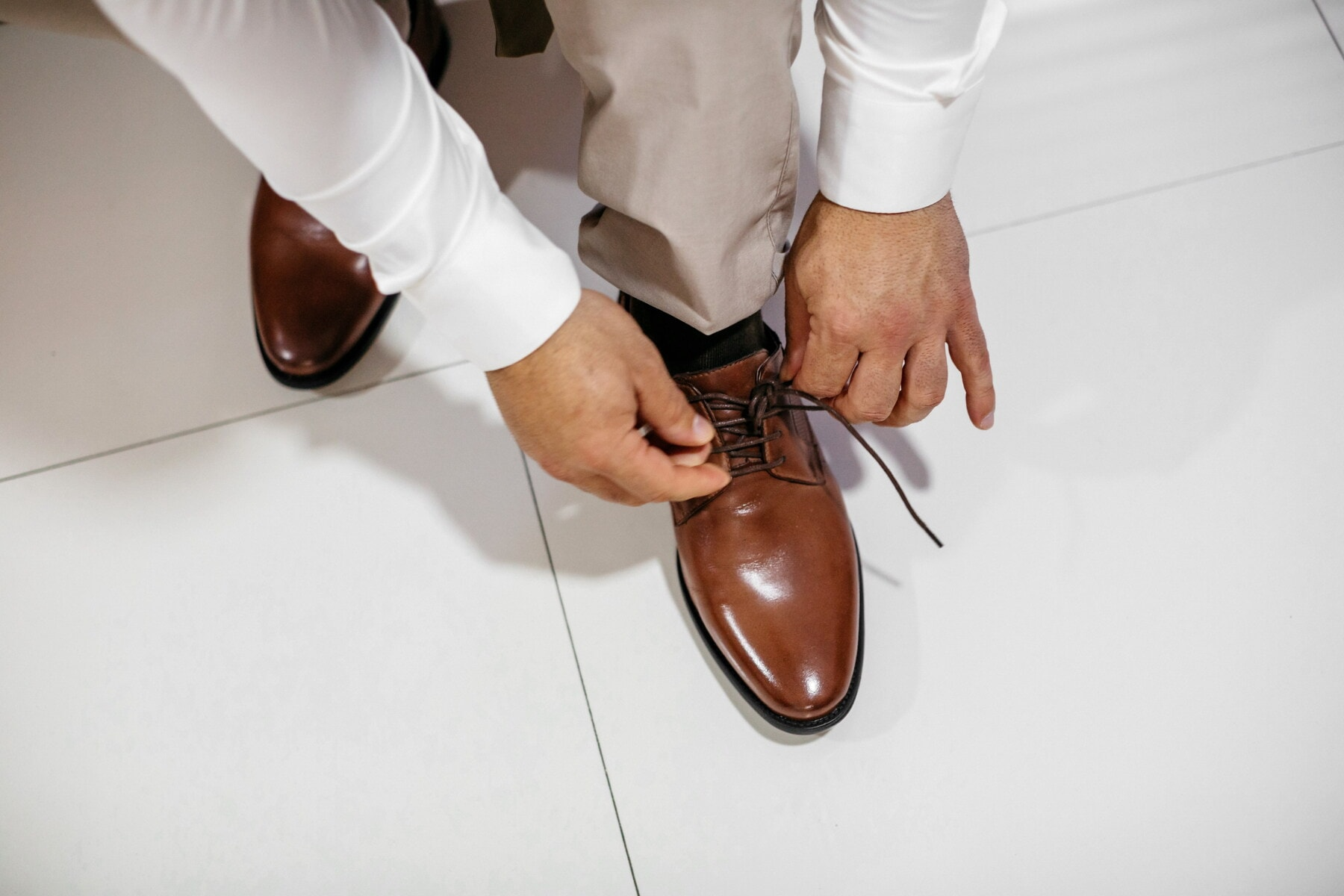 shoes, classic, leather, light brown, shoelace, style, hands, man, legs, floor