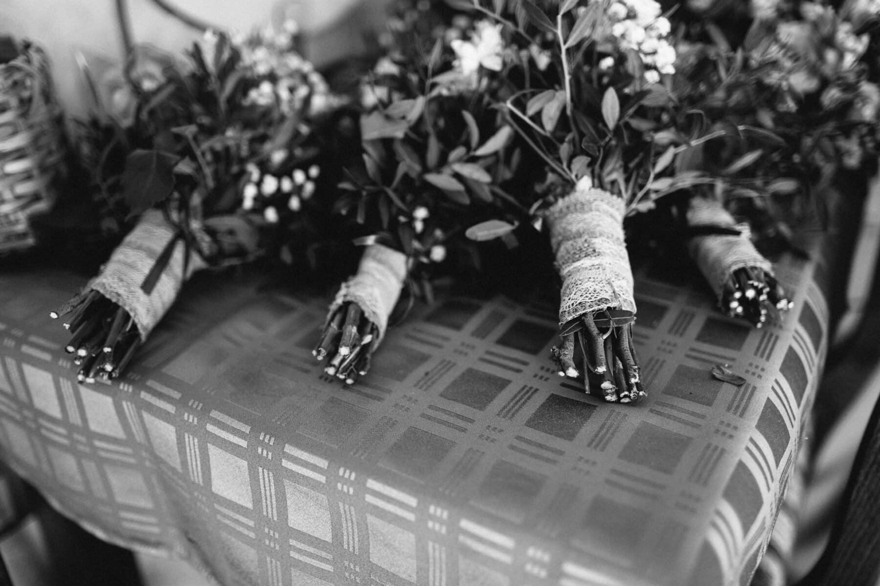 schwarz und weiß, Blumenstrauß, Tabelle, Jahrgang, Tischdecke, Monochrom, Möbel, verwischen, Blume, Dekoration