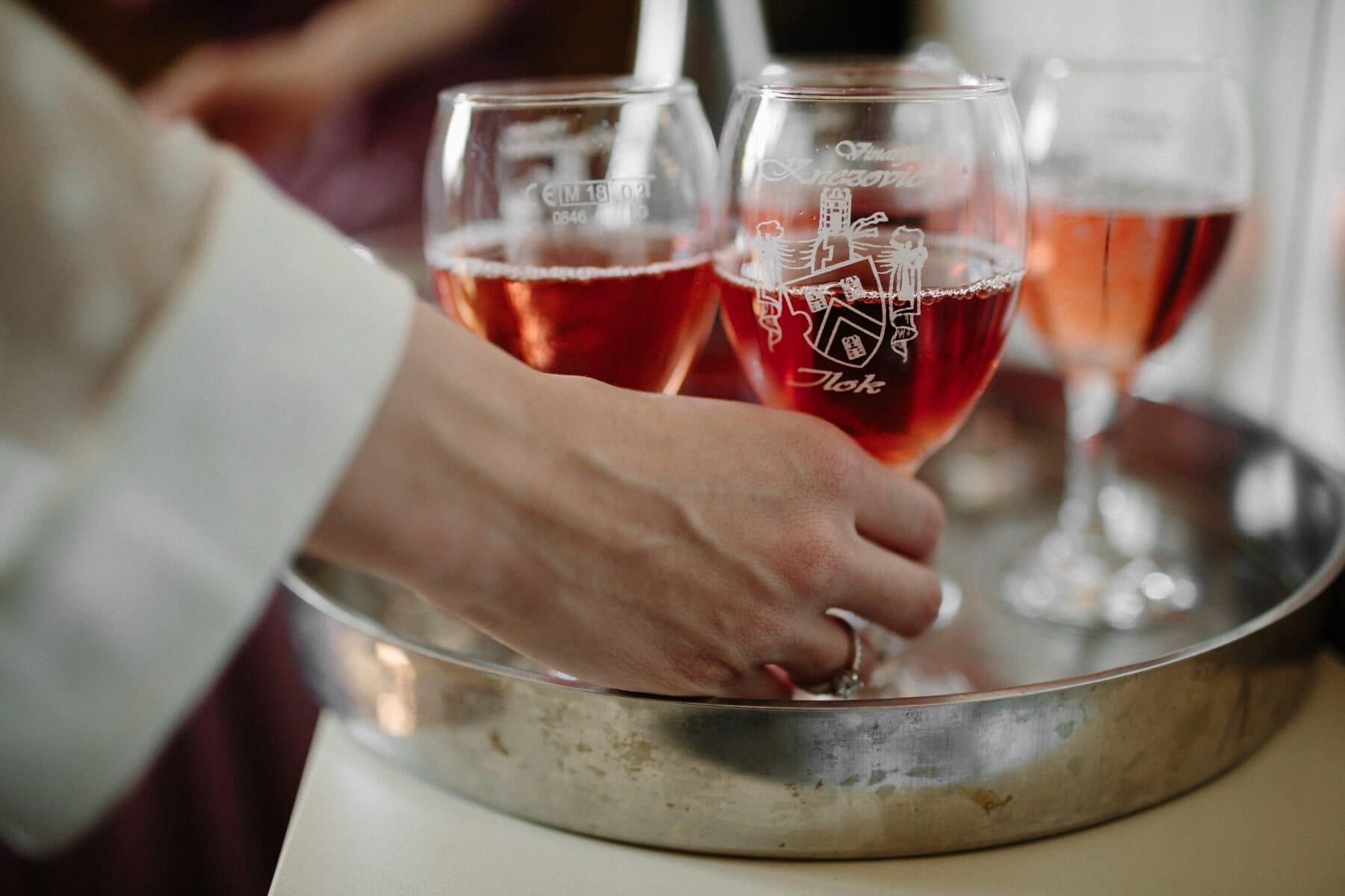 Rotwein, rötlich, Wein, Kristall, Glas, Dame, Frau, Hand, Partei, Alkohol