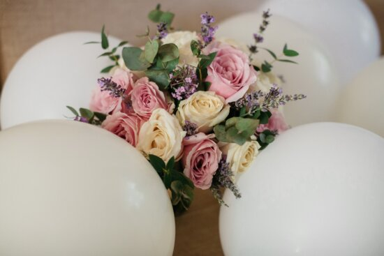 balloon, gifts, roses, bouquet, birthday, decoration, party, rose, flower, elegant