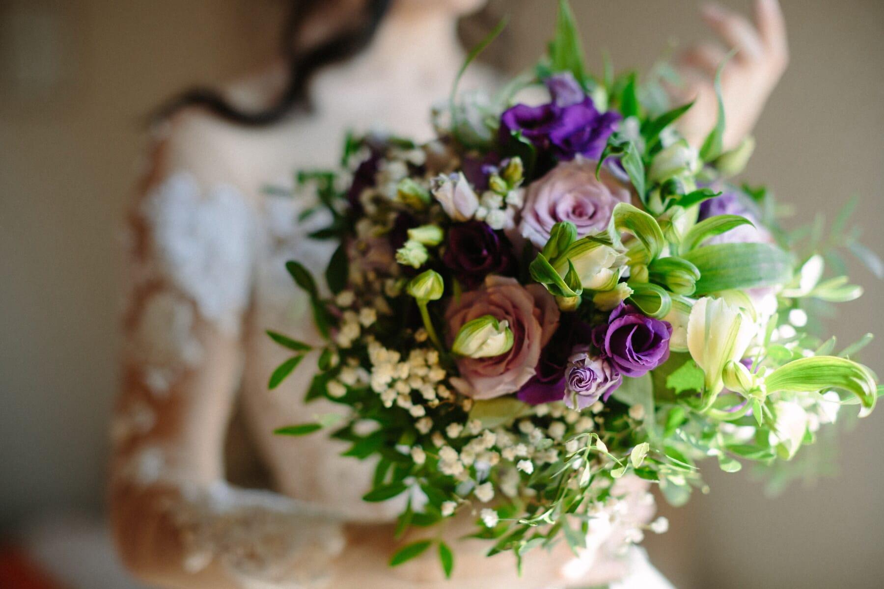 Hochzeitsstrauß, halten, aus nächster Nähe, Braut, Hochzeit, Dekoration, Blumenstrauß, Anordnung, Natur, Blume