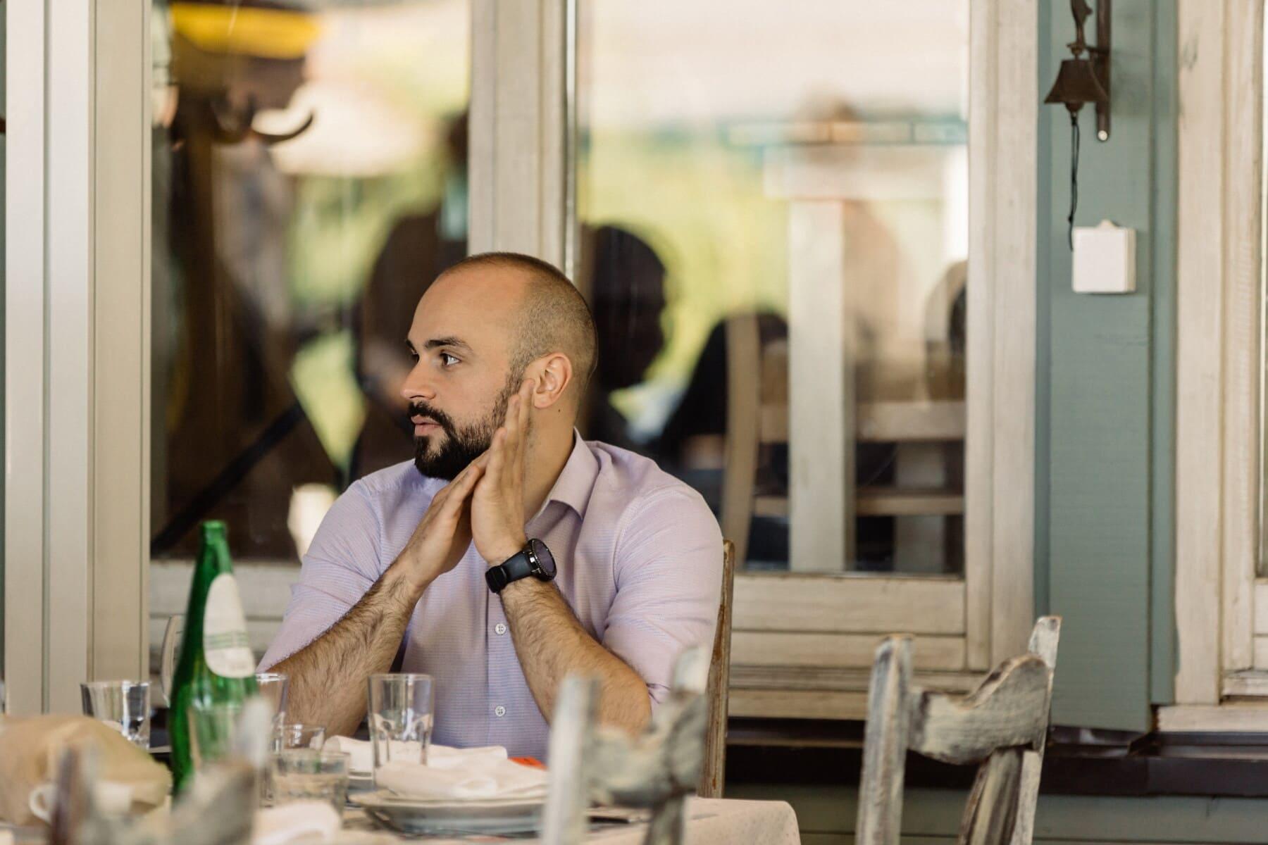 Schnurrbart, junge, Bart, Mann, Geschäftsmann, Entspannung, Restaurant, sitzen, Cafeteria, beiläufig