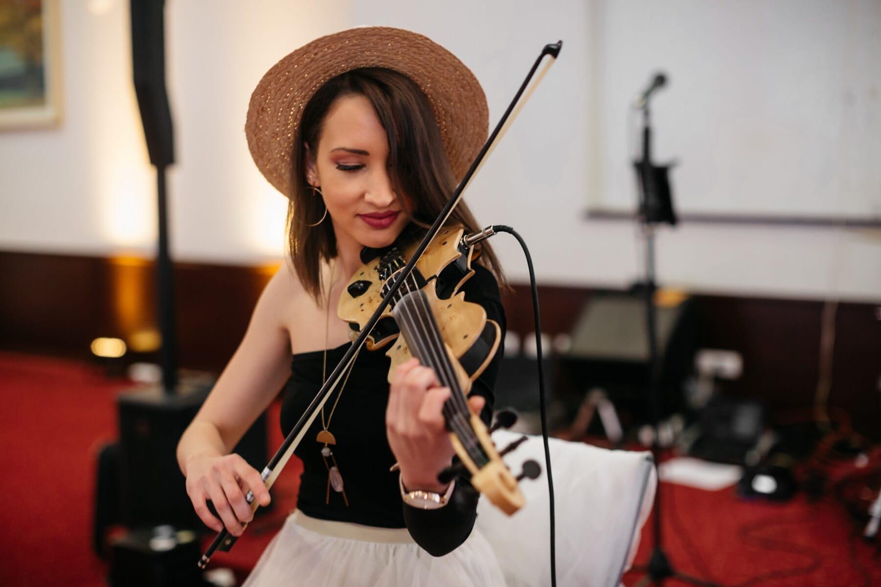 lijepa djevojka, električni, violina, glamur, koncert, glazbenik, šešir, lice, odijelo, portret