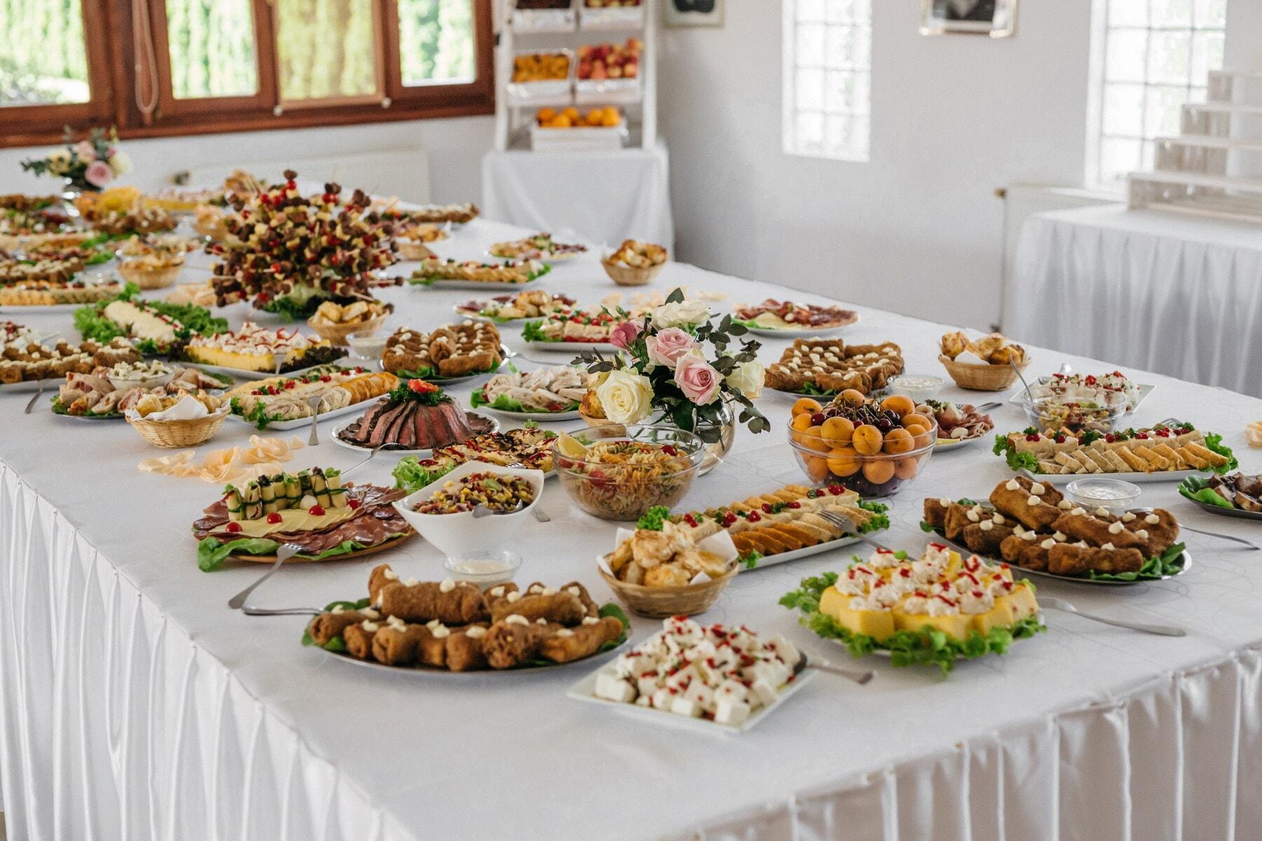 Essbereich, Kantine, Küchentisch, vom Buffet, Bankett, Restaurant, Mahlzeit, Mittagessen, Tabelle, Essen