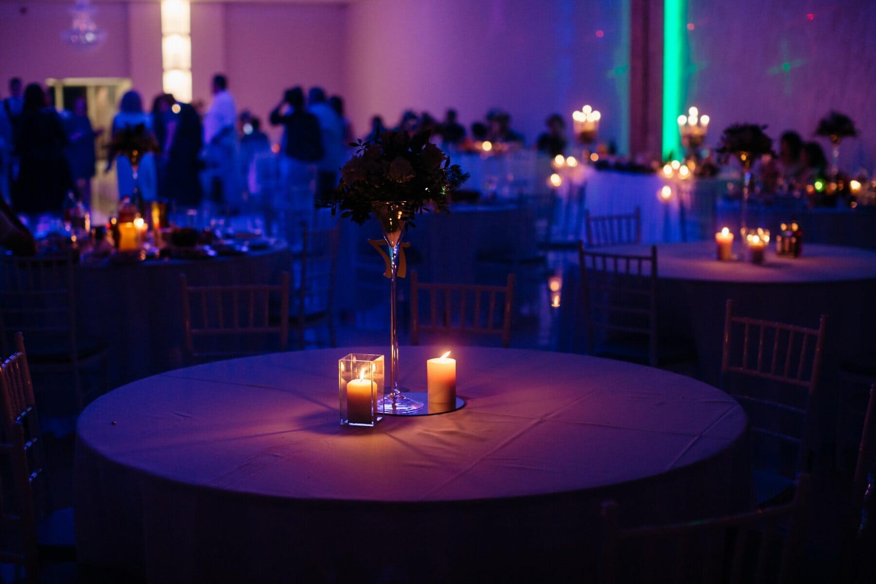 Hotel, Restaurant, romantische, Nachtclub, Dunkelheit, Atmosphäre, Kerzen, Leuchter, violett, Farben