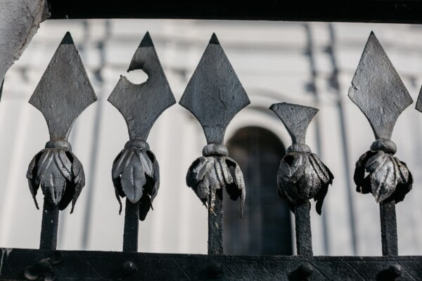 iron, cast iron, fence, arrow, arrowhead, metal, sharp, old, steel, art