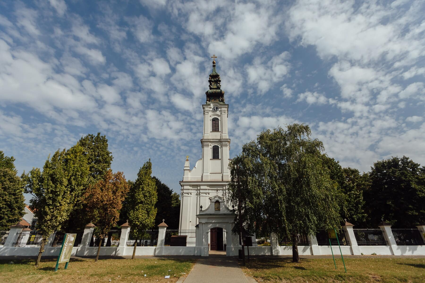 kostelní věž, kostel, ulice, chodník, věž, budova, klášter, náboženství, architektura, kříž