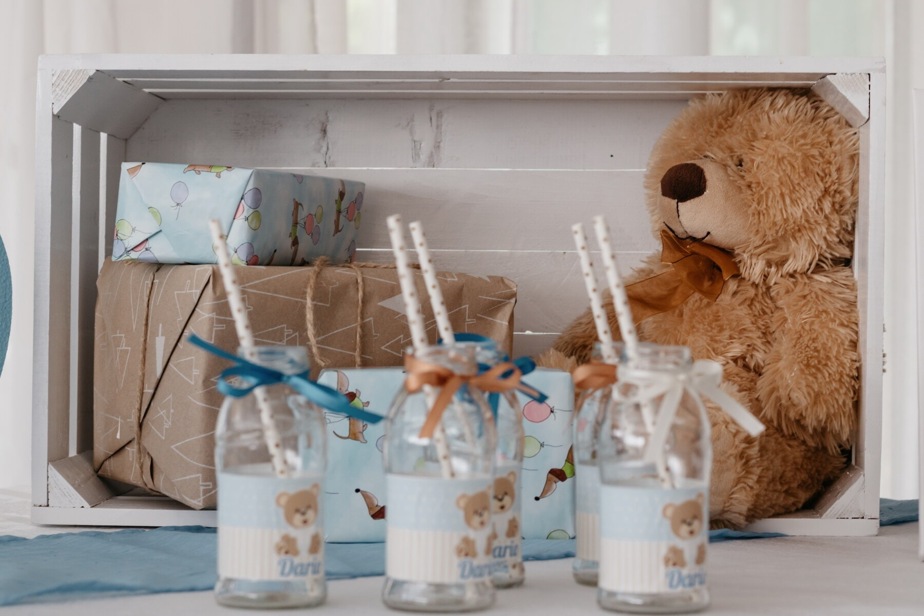 cadeaux, ours en peluche, Paquets, anniversaire, vintage, parti, à l'intérieur, bois, design d'intérieur, traditionnel