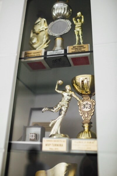 achievement, memorabilia, award, sport, competition, museum, sculpture, bronze, victory, exhibition