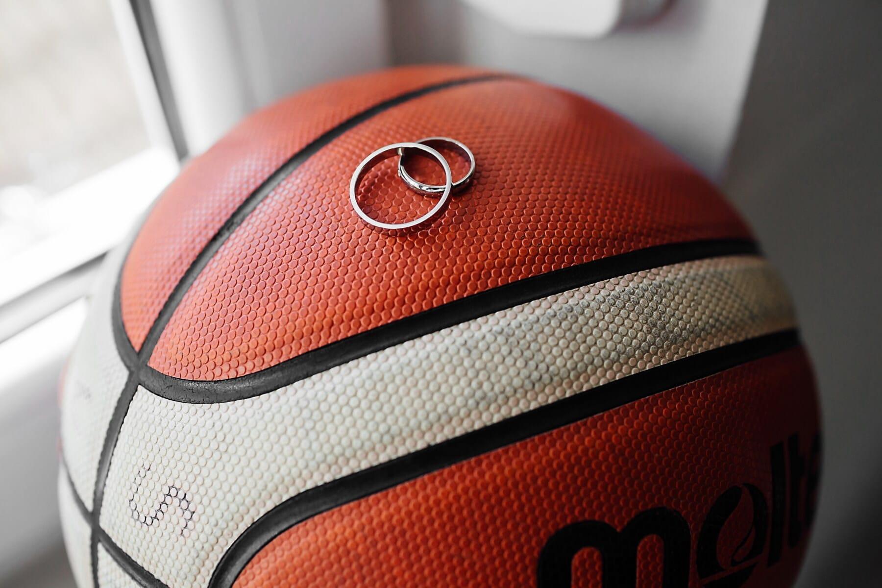 baloncesto, bola, joyería, detalles, oro, anillos, deporte, recreación, competencia, adentro