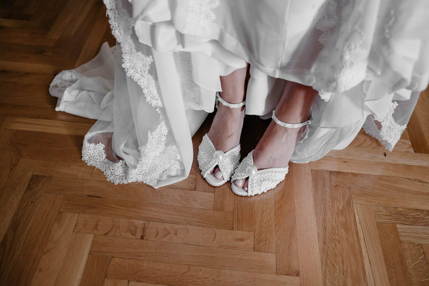 robe de mariée, perle, mariage, chaussures, sandale, blanc, luxe, élégance, mode, la mariée