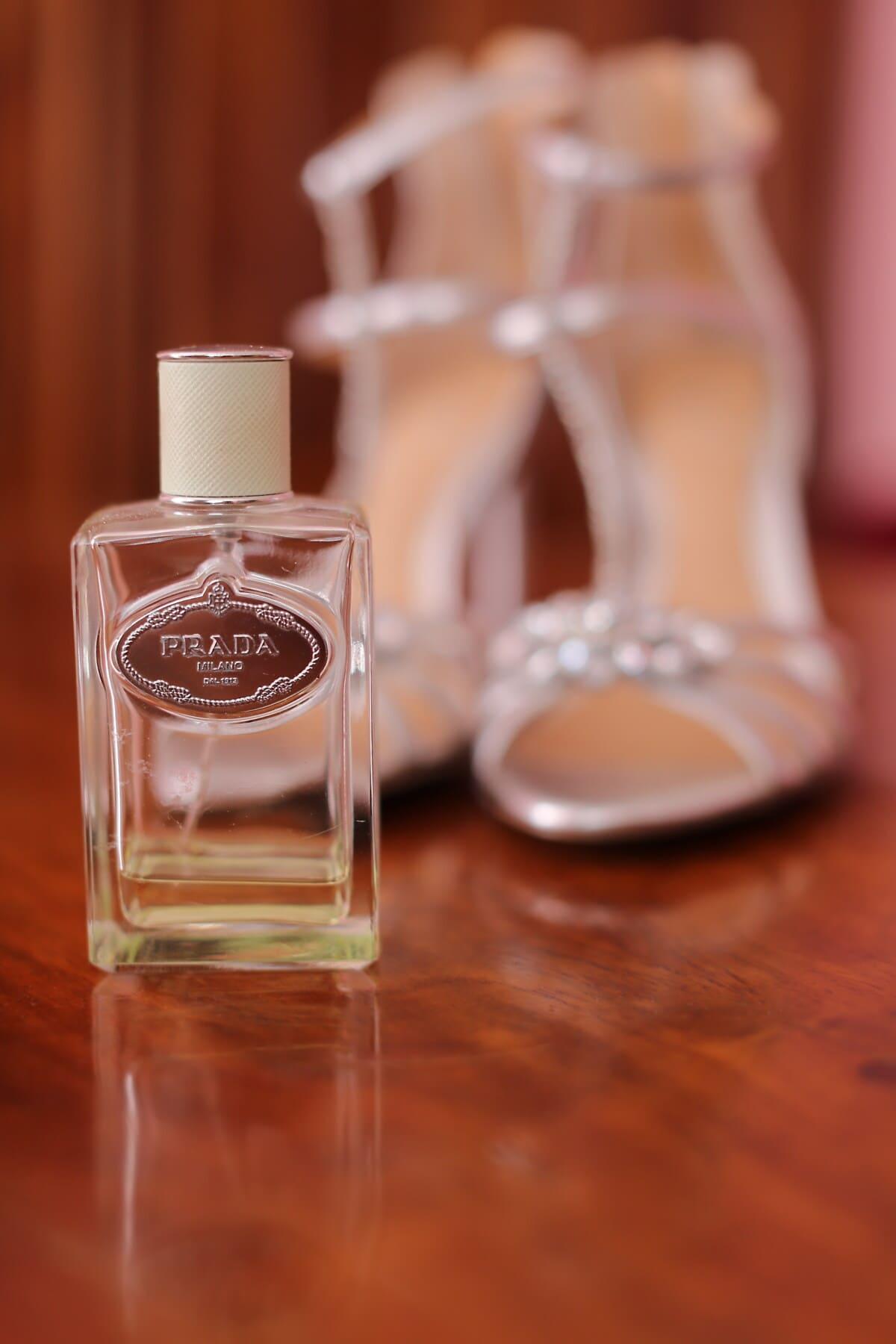 Prada Parfüm, Flasche, Schuhe, Sandale, Flüssigkeit, Glas, Luxus, Holz, elegant, Behandlung