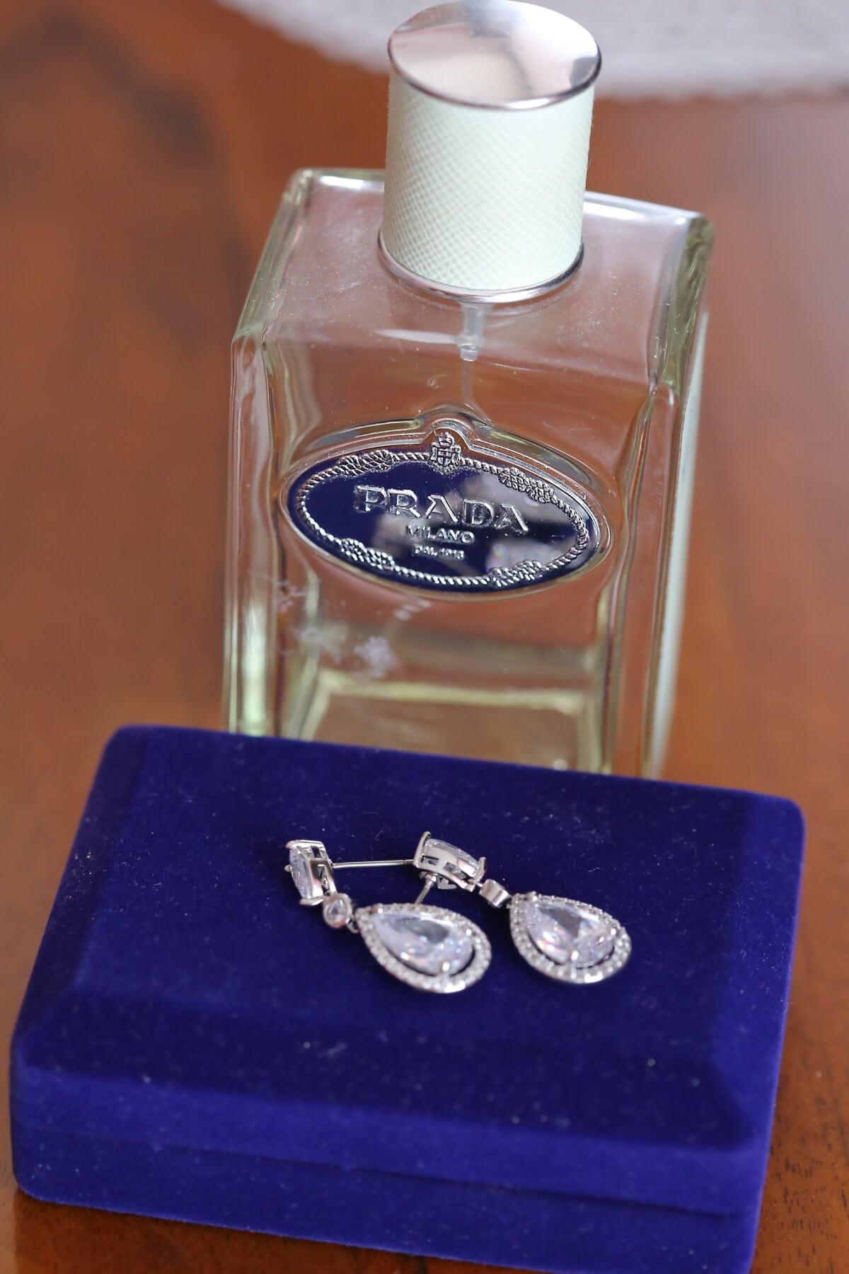 luxury, famous, perfume, fragrance, bottle, jewelry, jewel, platinum, earrings, elegant