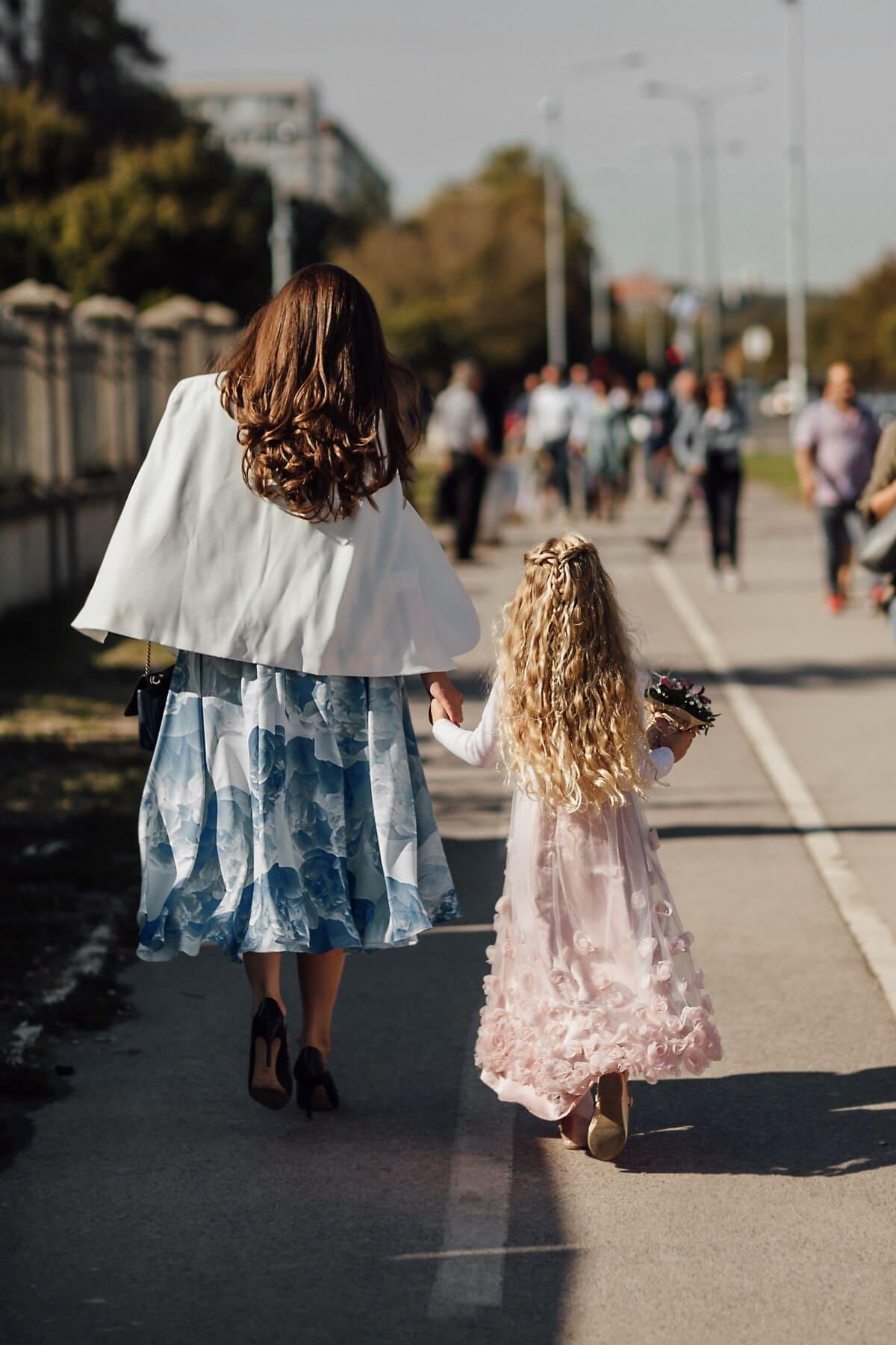 Brünette, Mutter, blonde Haare, Tochter, Fuß, Straße, Menschen, Frau, untergeordnete, Mädchen