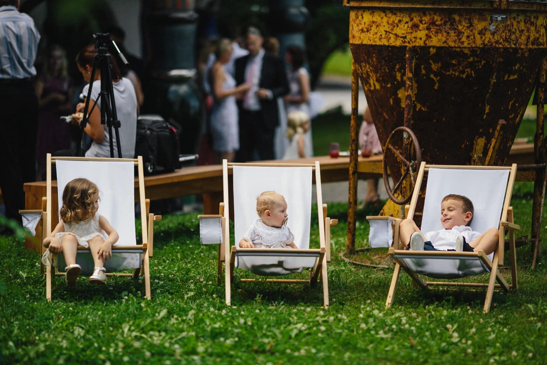 enfant en bas âge, bébé, frère, famille, sœurs, relaxation, assis, chaises, siège, chaise