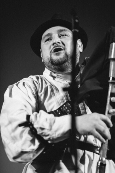 singer, bagpipes, musician, face, beard, hat, portrait, people, instrument, man