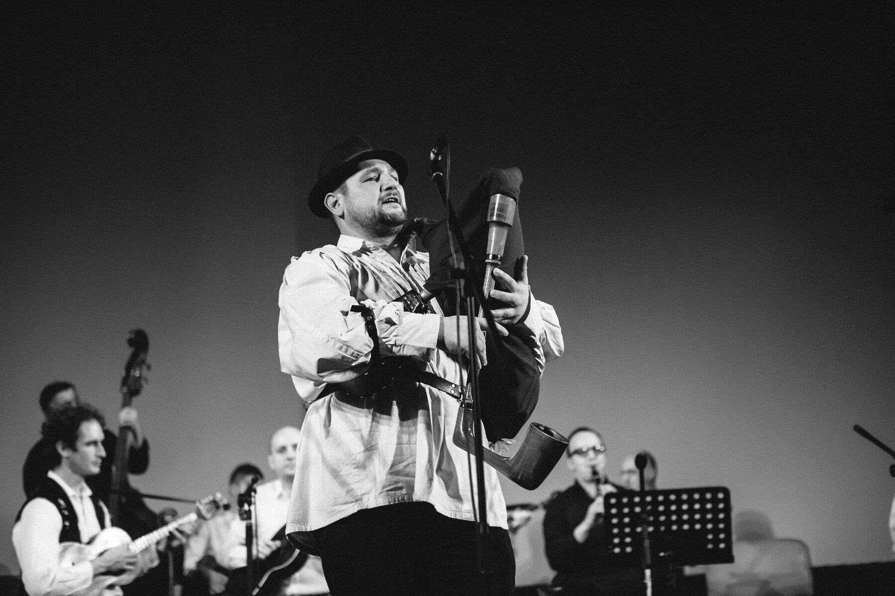 Dudelsack, Konzert, Musiker, Musik, Mann, Konzertsaal, Instrument, Menschen, Person, Gitarre