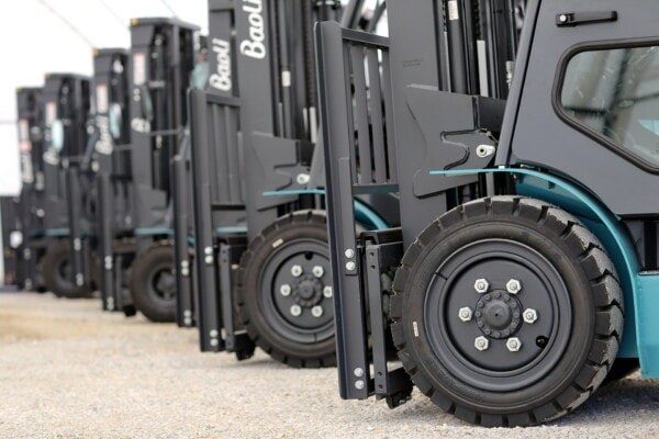 forklift, parking lot, parking, tire, vehicles, conveyance, machinery, transport, vehicle, transportation
