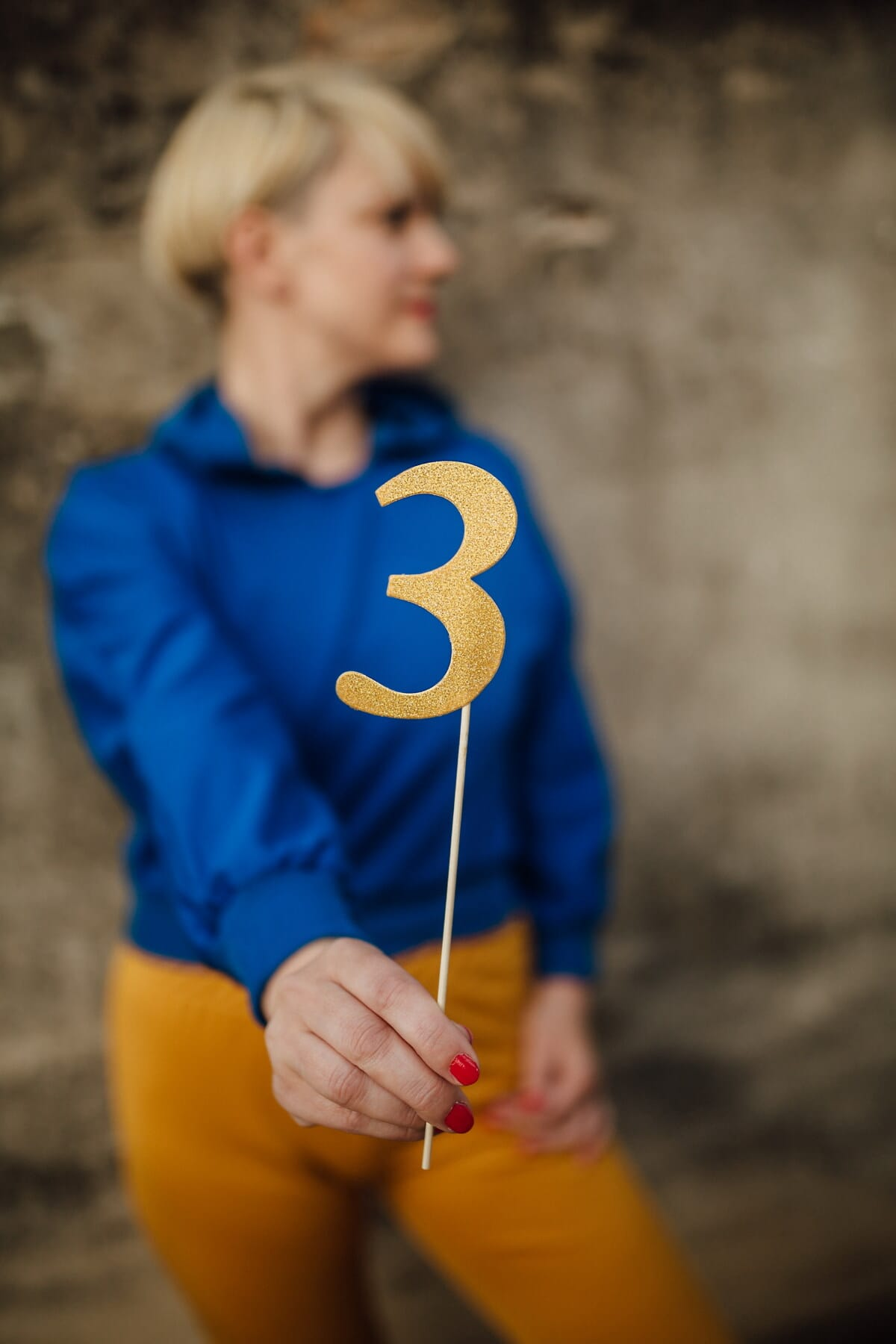 three, number, golden shine, holding, young woman, woman, outdoors, leisure, blur, fun