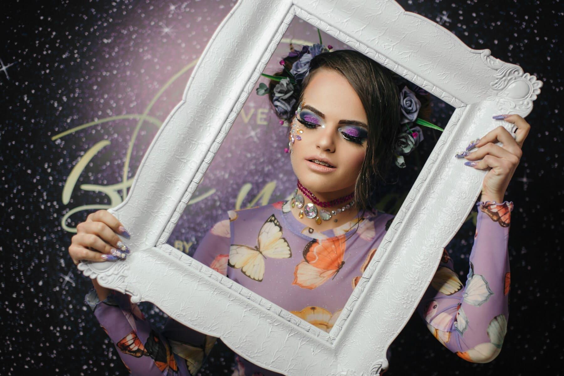 magnifique, adolescent, jeune femme, maquillage, studio photo, modèle photo, cadre, charme, posant, jeune fille