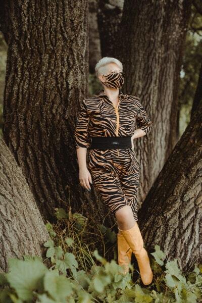 현대, 편안 하 게, 옷, 얼굴 마스크, 캐주얼, 사진 모델, 자유형, 위장, 소녀, 패션
