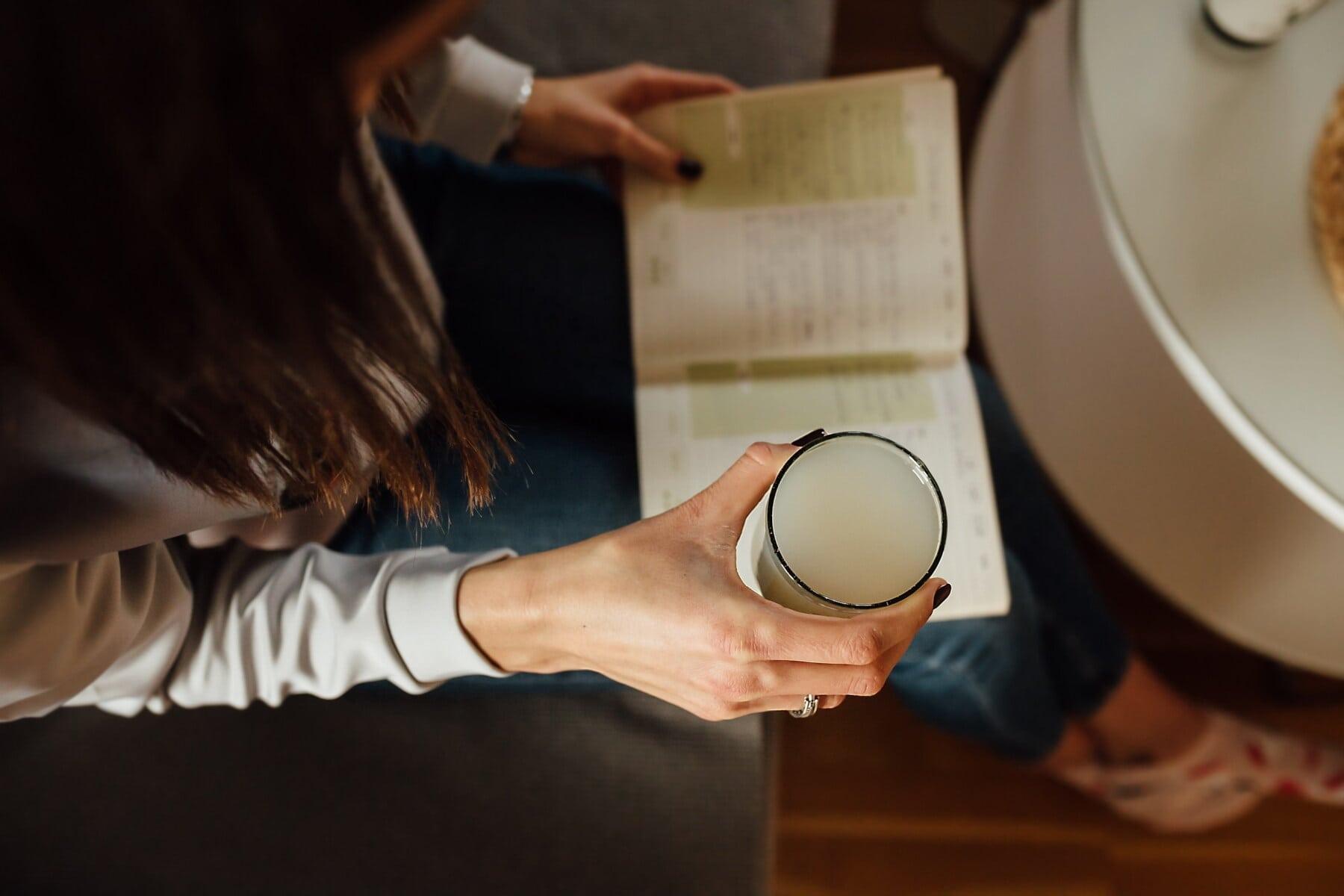 limonata, meyve suyu, içki, kitap, okuma, genç kadın, kadın, insanlar, kapalı, kız