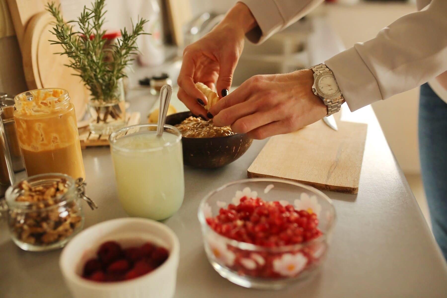breakfast, preparation, fruit juice, fruit, lemonade, banana, food, indoors, ingredients, homemade