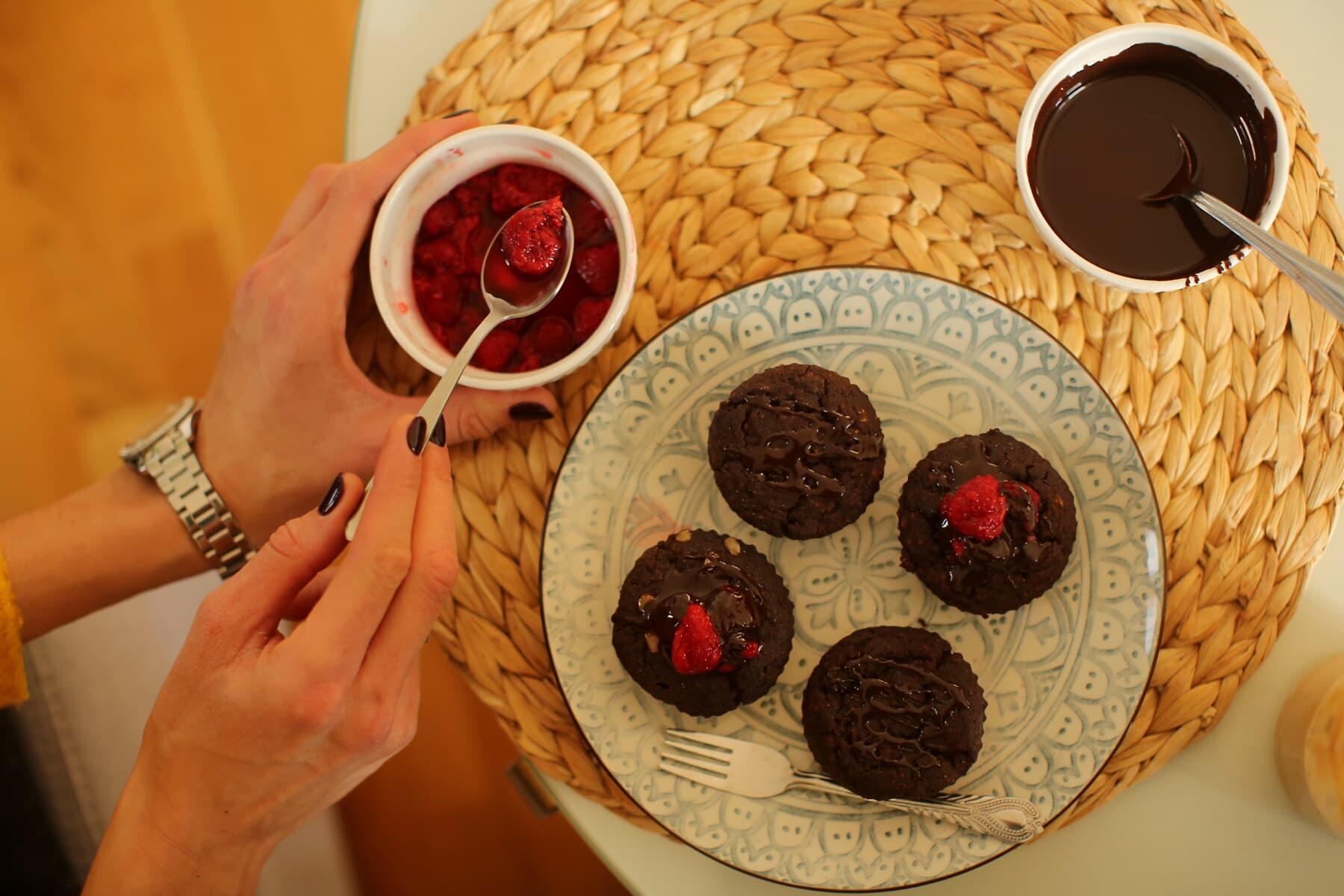 Schokolade, heiß, Beeren, Cupcake, Keks, Frühstück, hausgemachte, Backwaren, Essen, sehr lecker