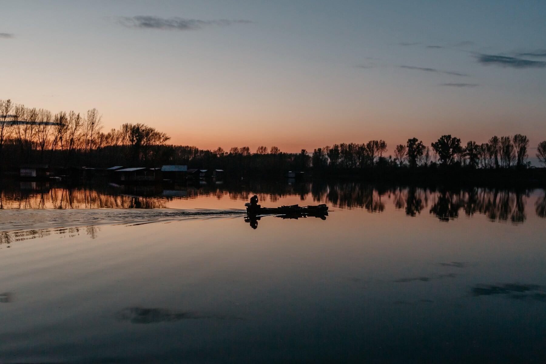bateau de pêche, pêcheur, coucher de soleil, réflecteur, silhouette, réflexion, atmosphère, niveau d'eau, aube, eau
