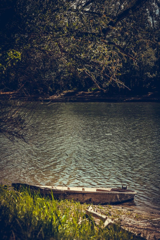 abandoned, boat, riverbank, lakeside, shore, channel, water, landscape, lake, river