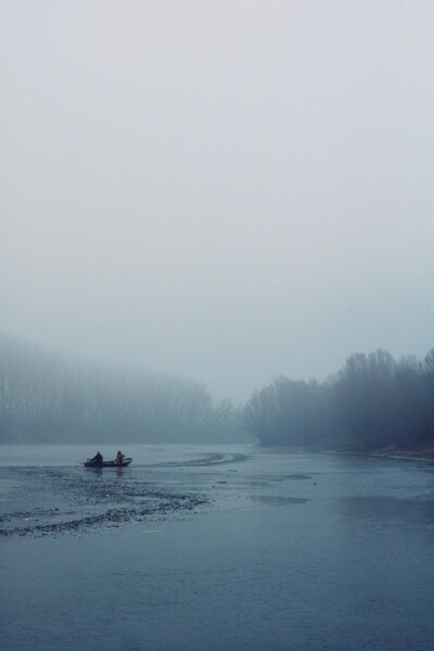 lake, frozen, ice crystal, winter, people, paddle, fishing boat, fisherman, cold, fog