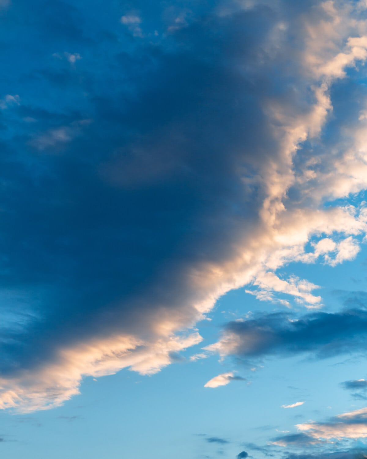 dark blue, clouds, horizon, cloudy, blue sky, meteorology, climate, breeze, atmosphere, cloudiness