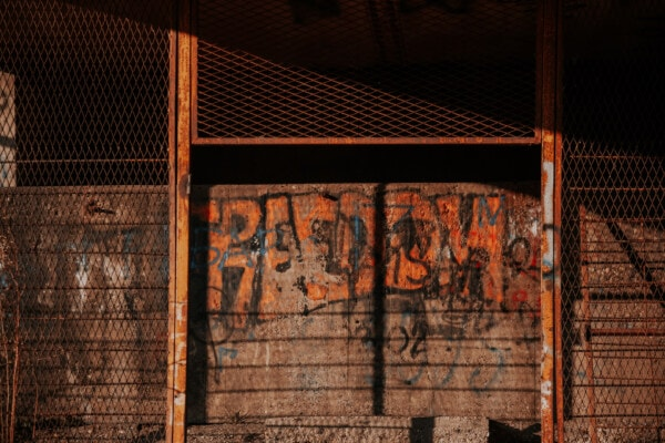 abandoned, graffiti, wall, fence, barrier, old, dark, dirty, architecture, retro